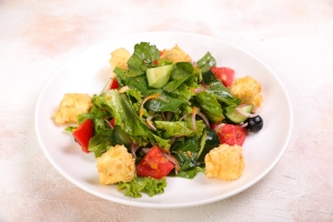 Салат с жареным сыром от Бренд-Шефа Бабаджанова